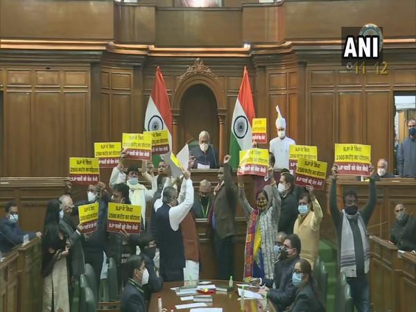 AAP MLAs protesting in the Delhi Assembly (Photo/ANI)