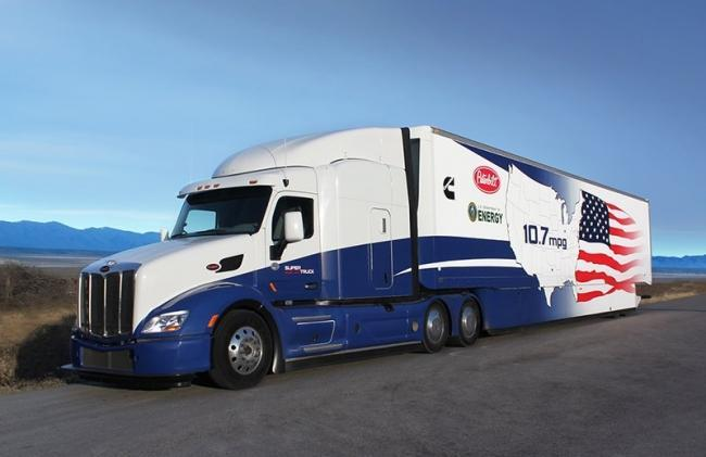 Cummins and Peterbilt teamed together for SuperTruck I, pictured here, first demonstrating more than 50 percent BTE and analytically defining technologies needed to achieve 55 percent BTE.