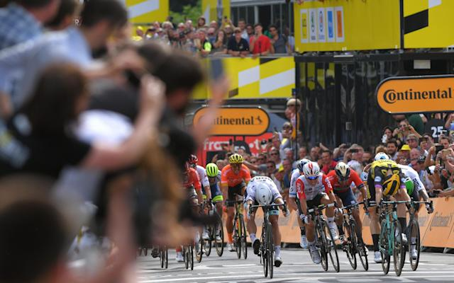 Mike Teunissen dips for the line to beatPeter Sagan at the end of stage one at the Tour de France - 2019 Getty Images