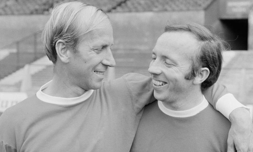 Stiles with his friend and Manchester United and England teammate Bobby Charlton.