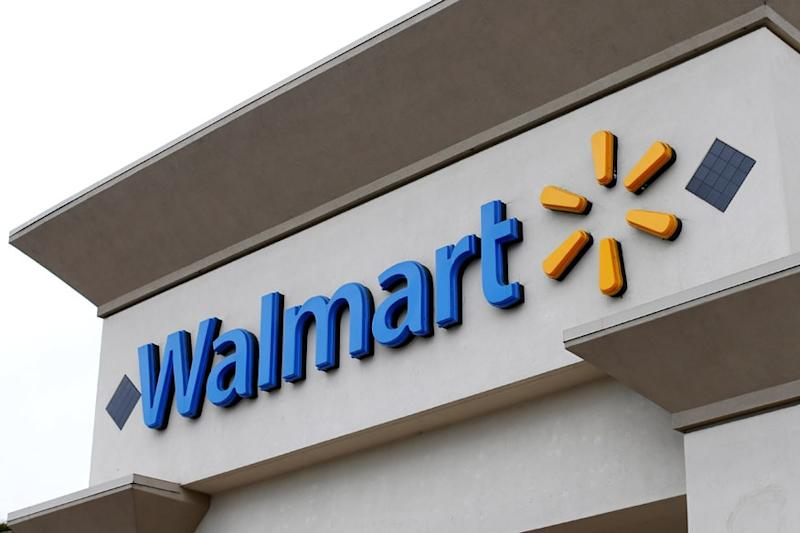 Walmart to Stop Sales of E-cigarettes in US Stores Amid Reports of Lung Disease Caused by Vaping