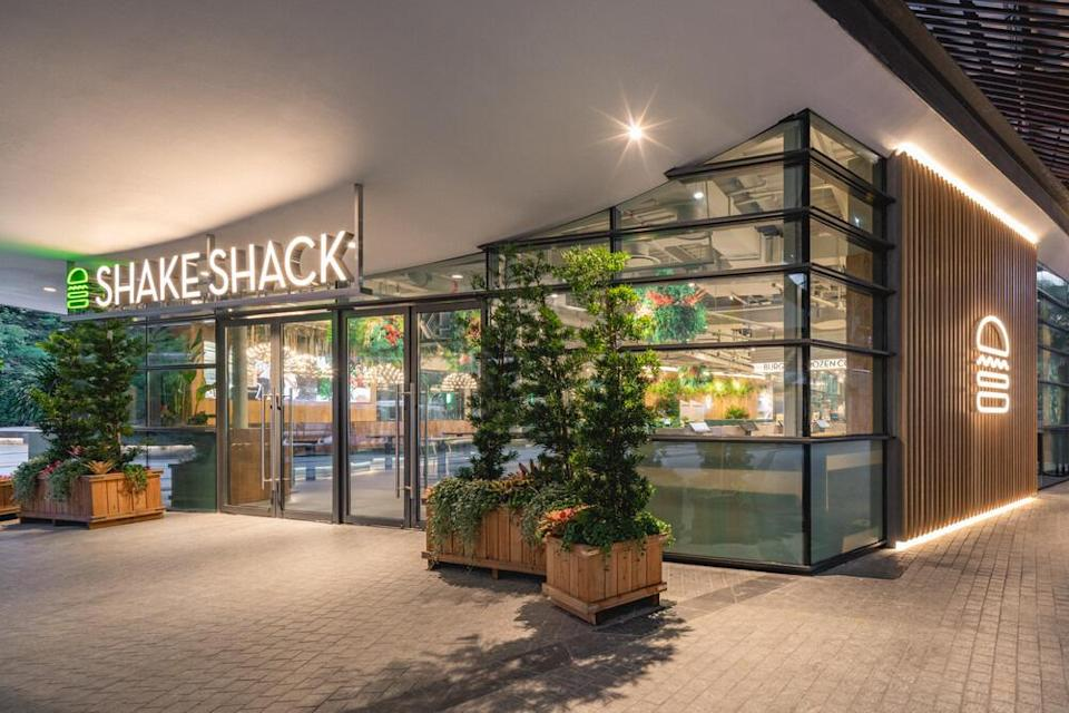 Shake Shack Gardens By The Bay Storefront