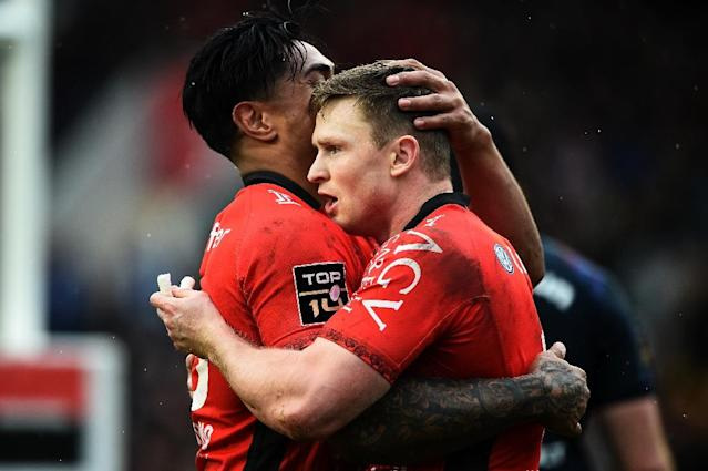 Chris Ashton took his tally to 17 tries for Toulon this season (AFP Photo/ANNE-CHRISTINE POUJOULAT)