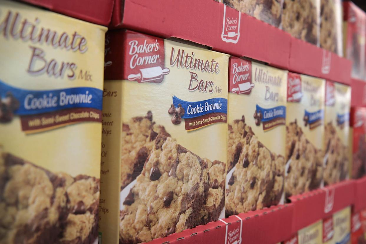 This brownie mix may look like Duncan Hines or Betty Crocker, but it's actually the store brand at Aldi. (Photo: Scott Olson via Getty Images)