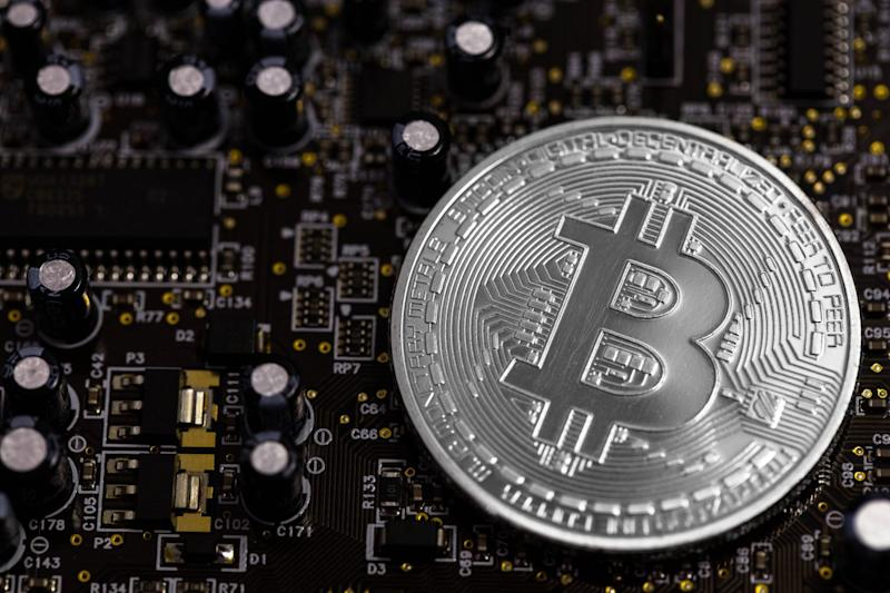 Bitcoin Price Defends $8K But Pullback Still in Play