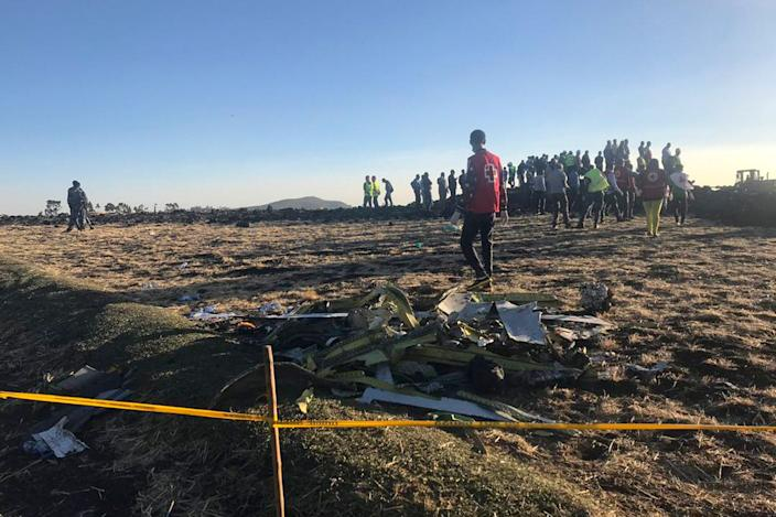 Rescuers search at the scene of an Ethiopian Airlines flight that crashed shortly after takeoff at the scene at Hejere near Bishoftu, or Debre Zeit, some 50 kilometers (31 miles) south of Addis Ababa, in Ethiopia, March 10, 2019. (Photo: Yidnek Kirubel/AP)
