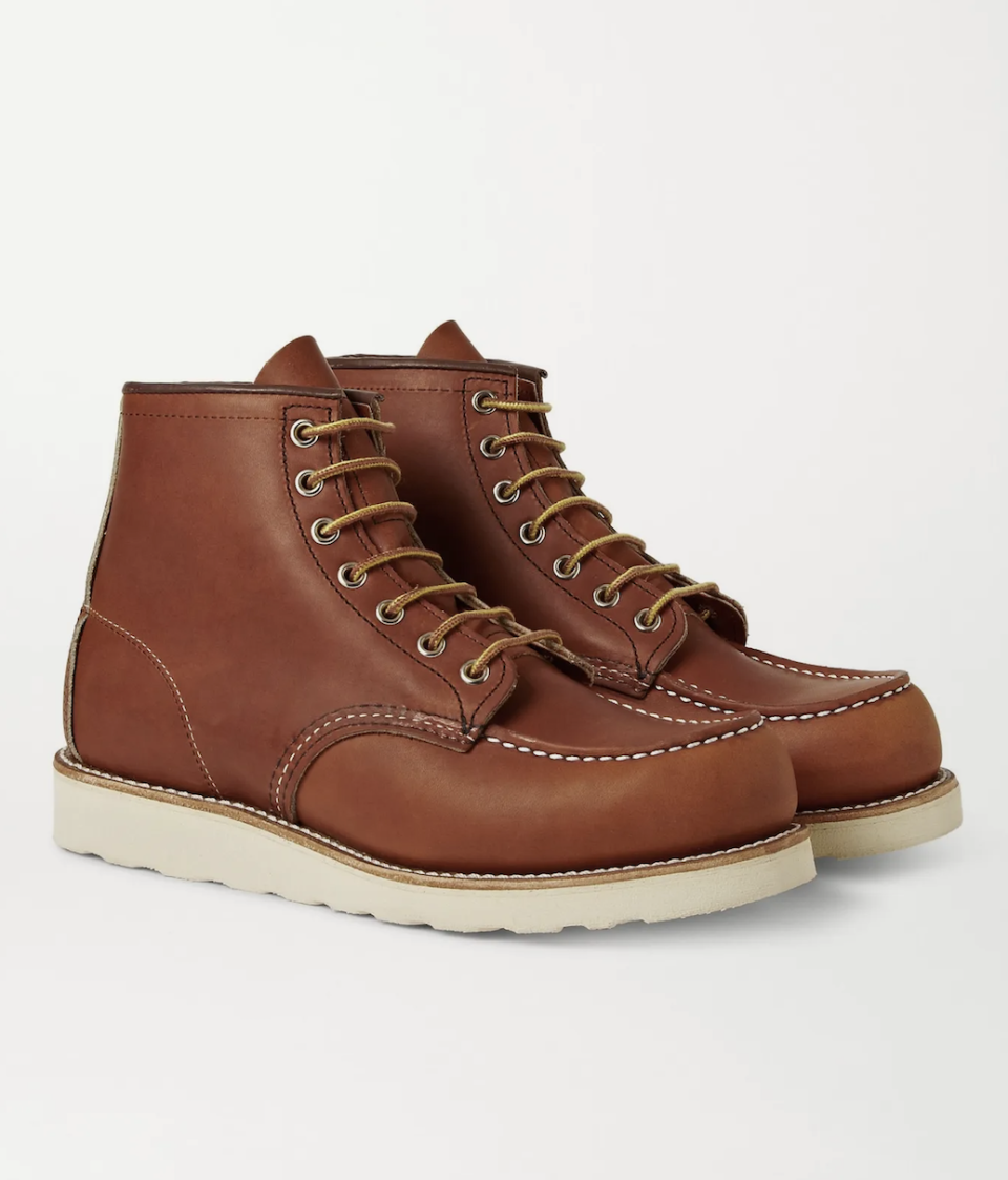 """<p><strong>Red Wing Shoes</strong></p><p>mrporter.com</p><p><strong>$280.00</strong></p><p><a href=""""https://go.redirectingat.com?id=74968X1596630&url=https%3A%2F%2Fwww.mrporter.com%2Fen-us%2Fmens%2Fproduct%2Fred-wing-shoes%2Fshoes%2Flace-up-boots%2F875-moc-leather-boots%2F3024088872826547&sref=https%3A%2F%2Fwww.menshealth.com%2Ftechnology-gear%2Fg37546941%2Fbest-gifts-for-mechanics%2F"""" rel=""""nofollow noopener"""" target=""""_blank"""" data-ylk=""""slk:BUY IT HERE"""" class=""""link rapid-noclick-resp"""">BUY IT HERE</a></p><p>Red Wing shoes make for a very good gift for mechanics because of their next-level durability. They were designed for function with a Goodyear-welted rubber sole and perfected leather. </p>"""