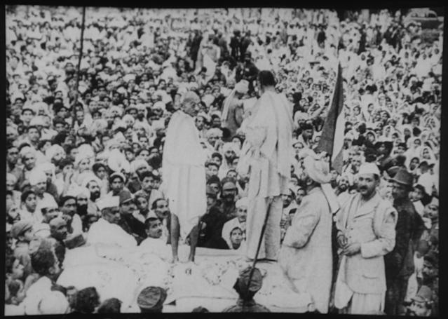 Mohandas Gandhi with Abdul Ghaffar Khan at Peshawar. (Photo by Fine Art Images/Heritage Images/Getty Images)