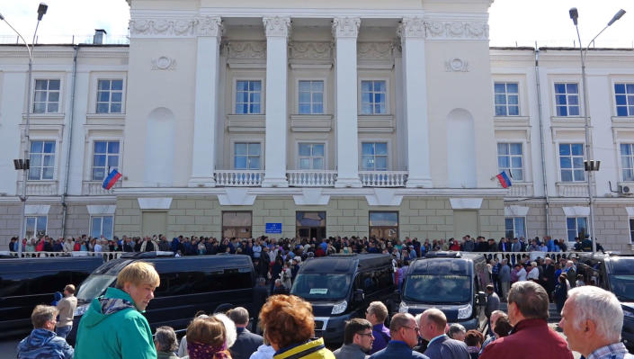People gather for the funerals of five Russian nuclear engineers killed by a rocket explosion in Sarov (Picture: AP)