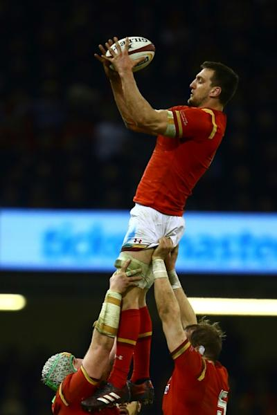 Wales' flanker Sam Warburton catches the ball at a line-out during their Six Nations rugby union match against England, at the Principality Stadium in Cardiff, south Wales, on February 11, 2017