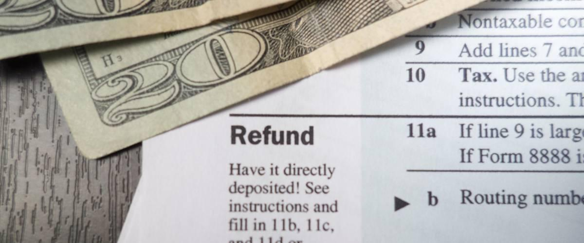 <cite>Derek Hatfield / Shutterstock</cite> <br>When you take a tax refund, you've essentially given the government a free loan.<br>