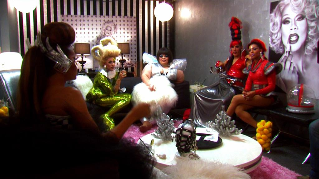 "<p><b>8. Interior Illusions Lounge (""<a href=""http://tv.yahoo.com/rupaul-39-s-drag-race/show/44202"">RuPaul's Drag Race</a>"")</b><br><br> Where else is a ladyboy going to go to relax and untuck after a hard day of working it on the runway? Sitting back with an Absolut cocktail and complaining about people's lack of work ethic while the judges deliberate is our idea of a dream day -- for the tacky glitter and the catty comments alone! </p>"