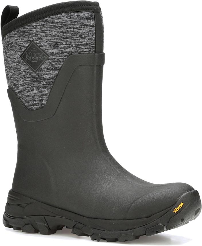 """<p><strong>Muck Boot</strong></p><p>dickssportinggoods.com</p><p><strong>$169.99</strong></p><p><a href=""""https://go.redirectingat.com?id=74968X1596630&url=https%3A%2F%2Fwww.dickssportinggoods.com%2Fp%2Fmuck-boots-womens-arctic-ice-ii-mid-insulated-waterproof-winter-boots-17mbowrctcsprtmdgfbo%2F17mbowrctcsprtmdgfbo&sref=https%3A%2F%2Fwww.thepioneerwoman.com%2Ffashion-style%2Fg34010656%2Fbest-muck-boots-for-women%2F"""" rel=""""nofollow noopener"""" target=""""_blank"""" data-ylk=""""slk:Shop Now"""" class=""""link rapid-noclick-resp"""">Shop Now</a></p><p>Work needs to get done on the ranch in every type of weather, including snow and frigid, icy temperatures. This pair of insulated Muck Boots was designed for that sort of all-weather experience: You'll be comfortable in temperatures as low as -60°F. </p>"""