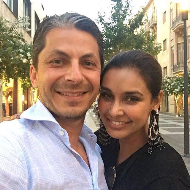 <p>She became a household name after featuring in a Bombay Dyeing and was in talks again for battling and surviving cancer. The stunning Indo-Canadian actress met her now husband, Jason Dehni, in California and knew he was the one. They tied the knot in the scenic Napa Valley and are settled in the United States. </p>