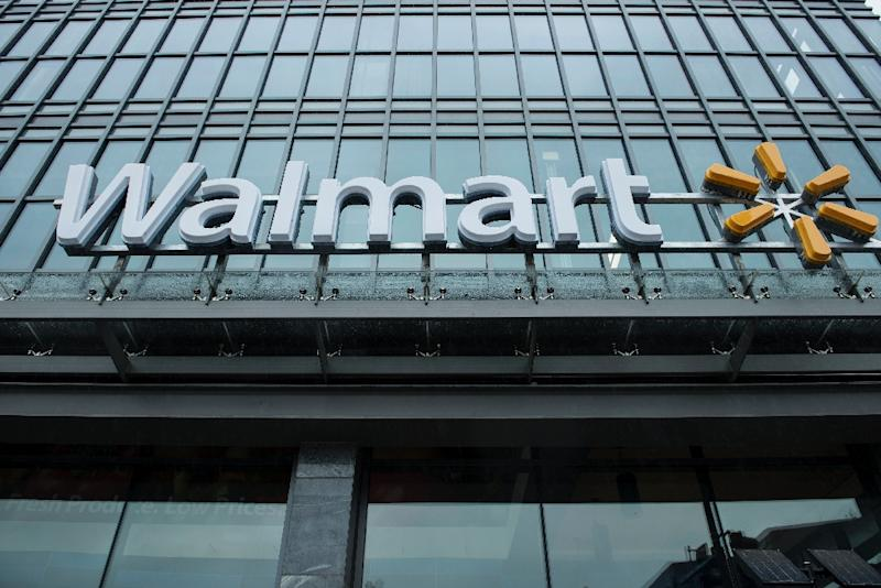 Wal-Mart's comparable sales beat estimates