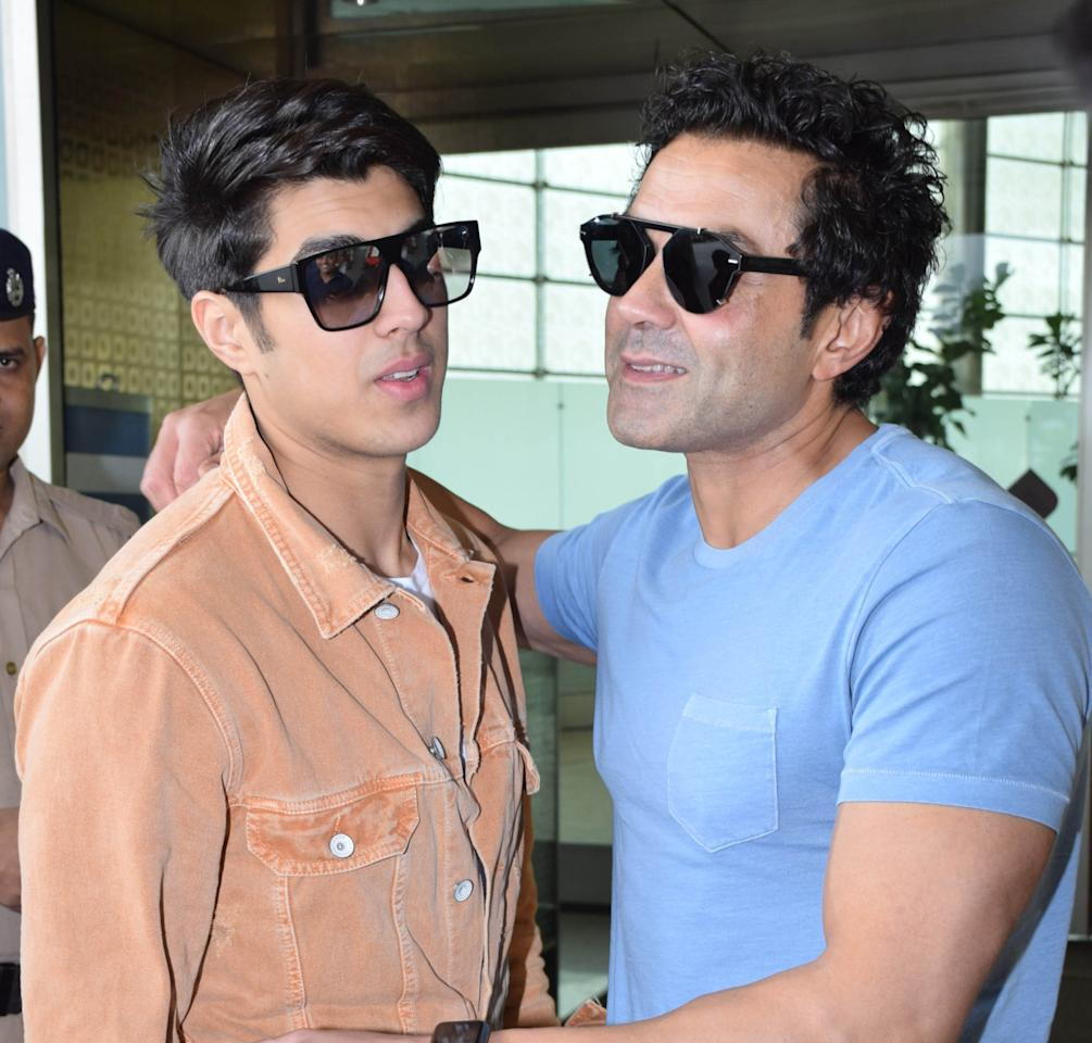 <p>Bobby Deol spotted with his family </p>