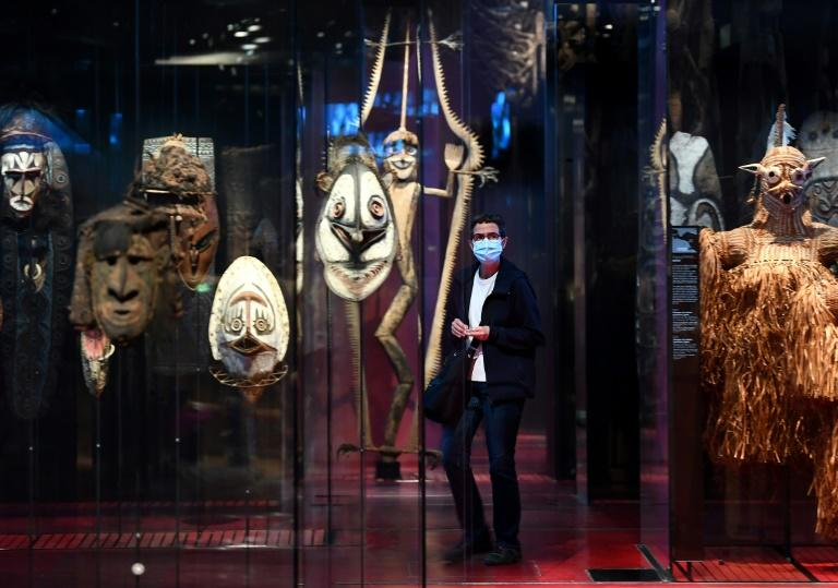 Activists face fines for trying to 'return' African art in France