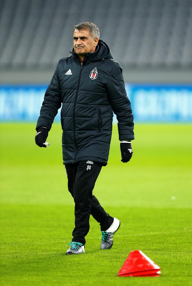 Soccer Football - Champions League - Besiktas Training - Allianz Arena, Munich, Germany - February 19, 2018 Besiktas coach Senol Gunes during training REUTERS/Ralph Orlowski