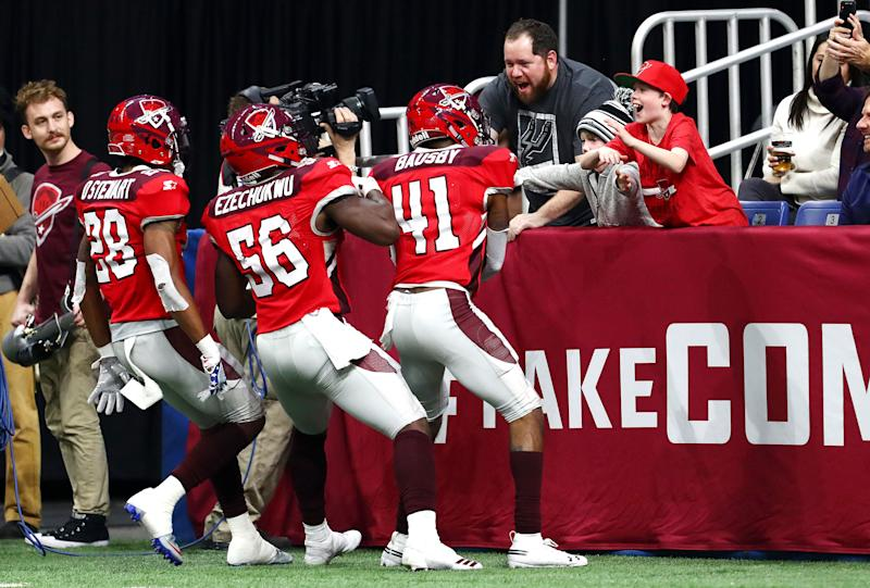 De'Vante Bausby (No. 41) of the San Antonio Commanders celebrates with fans after intercepting a pass during the third quarter against the San Diego Fleet in an Alliance of American Football game on Feb. 9, 2019 in San Antonio, Tex. (Ronald Cortes/AAF/Getty Images)