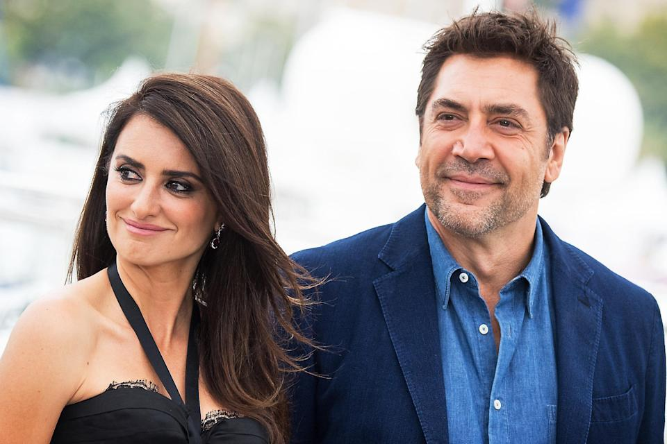 """Penelope Cruz and Javier Bardem attend the photocall for """"Everybody Knows (Todos Lo Saben),"""" in which they co-starred, during the Cannes Film Festival on May 9, 2018, in France. (Photo: Emma McIntyre/Getty Images)"""