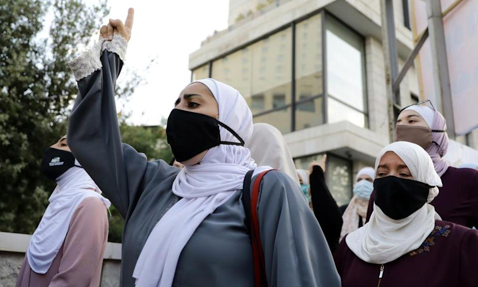 Women in Jordan protests against Macron