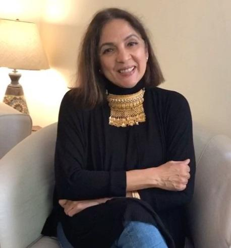 Neena Gupta has been hilarious through the lockdown and brought to the fore issues that occured to none, earlier. Take this gold necklace for example. She is wearing this gorgeous neckpiece in her living room because she isn't sure when she gets to visit another gathering. She is right though, isn't she? Hit her up on July 4th to wish her a fun-filled birthday.