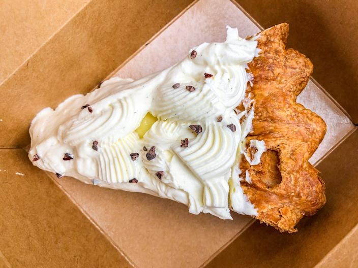 """A slice of banana cream pie to go from République. <span class=""""copyright"""">(Bill Addison / Los Angeles Times)</span>"""