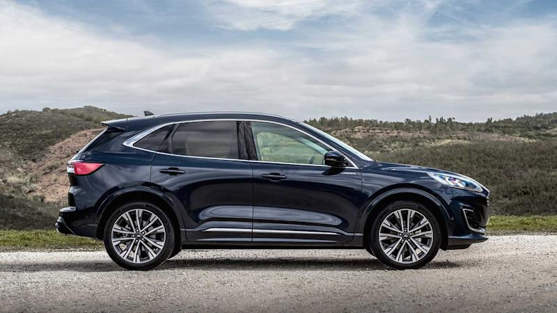 Ford Kuga Vignale EcoBlue Hybrid (2020) On Location