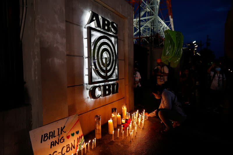 Majority of Filipinos support license renewal for embattled ABS-CBN: poll