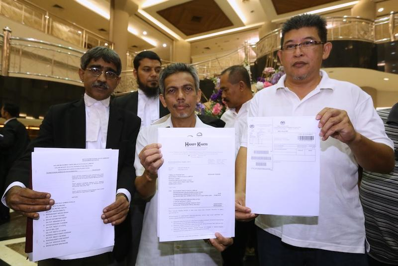 Citing postponed internal election, Umno members want party activities suspended