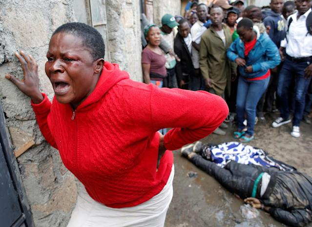 <p>A woman cries after a supporter of opposition leader Raila Odinga was killed by police, witnesses said, in Mathare slum in Nairobi, Kenya, Aug. 9, 2017. (Photo: Goran Tomasevic/Reuters) </p>