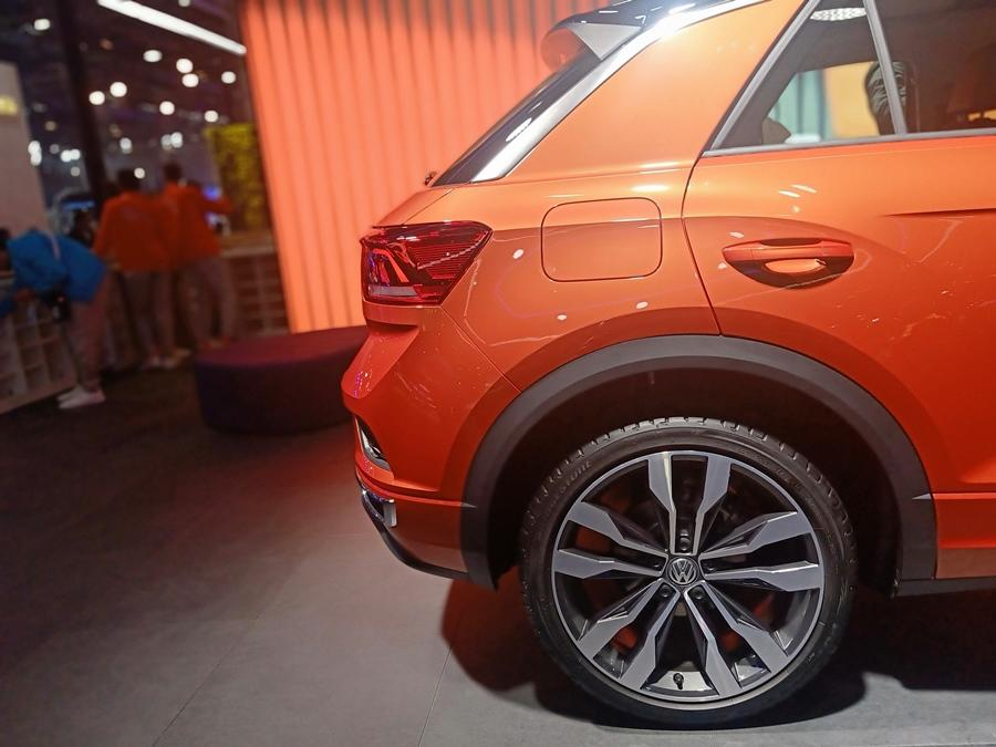 The front is meaty and aggressive, unlike other VW SUVs, and the grille flows in neatly. The wheels are bigger too.