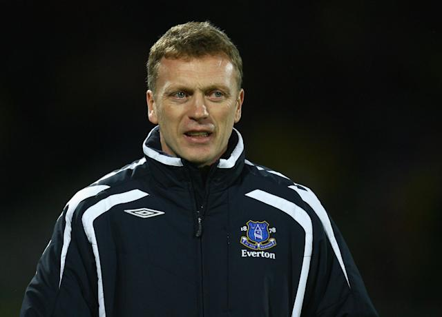 FLORENCE, ITALY - MARCH 06: Manager David Moyes of Everton looks on during the UEFA Cup Round of Last 16, First Leg match between Fiorentina and Everton at the Artemio Franchi Stadium on March 6, 2008 in Florence, Italy. (Photo by Paul Gilham/Getty Images)