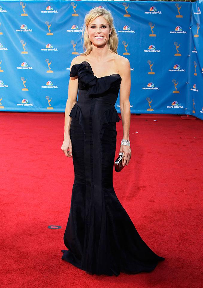 Julie Bowen<br> Grade: B+<br><br> Sofia's equally stunning co-star (and fellow Outstanding Supporting Actress in a Comedy nominee) sported a figure-flattering J. Mendel dress, which she accessorized with Neil Lane jewelry and a Jimmy Choo clutch.
