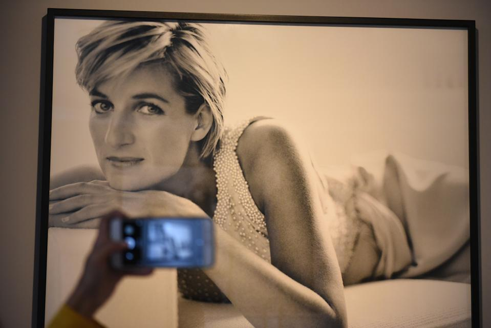 "LIMA, PERU - 2019/09/04: A portrait of Lady Di by Mario Testino at the Mate museum during the exhibition in Lima. Mario Testino exhibition ""Alta Moda"" is the result of a five-year project that investigates both Peruvian traditions and the history of photography at the Mate museum in Lima. (Photo by John Milner/SOPA Images/LightRocket via Getty Images)"