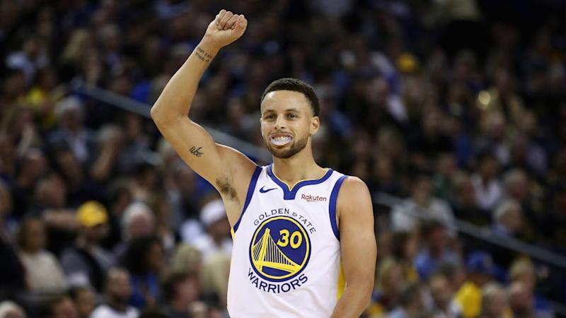 Warriors dominate Thunder to clinch playoff berth