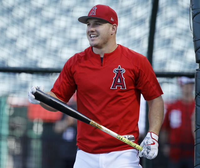 "Los Angeles Angels star <a class=""link rapid-noclick-resp"" href=""/mlb/players/8861/"" data-ylk=""slk:Mike Trout"">Mike Trout</a> isn't getting enough RBI chances due to the team's minimal production from the leadoff spot. (AP Photo/Alex Gallardo)"