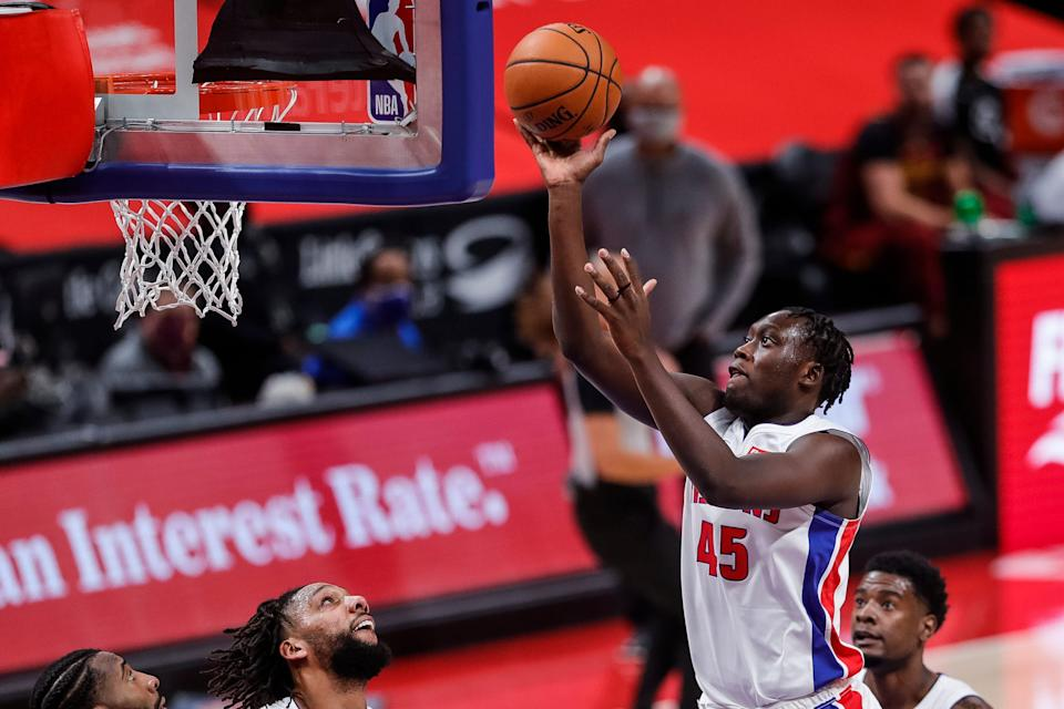Detroit Pistons forward Sekou Doumbouya (45) makes a layup against Cleveland Cavaliers during the first half at the Little Caesars Arena in Detroit, Mich., Saturday, Dec. 26, 2020.