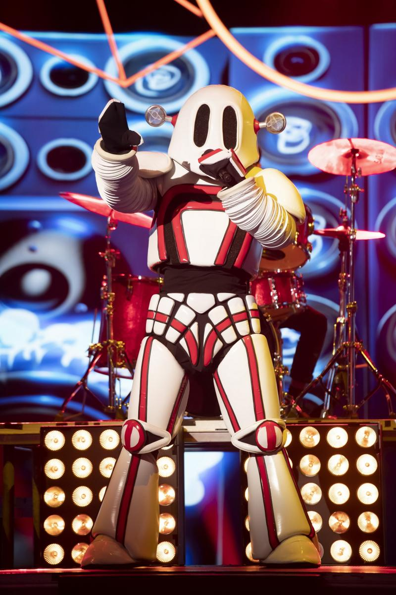 Cody Simpson as The Robot on The Masked Singer