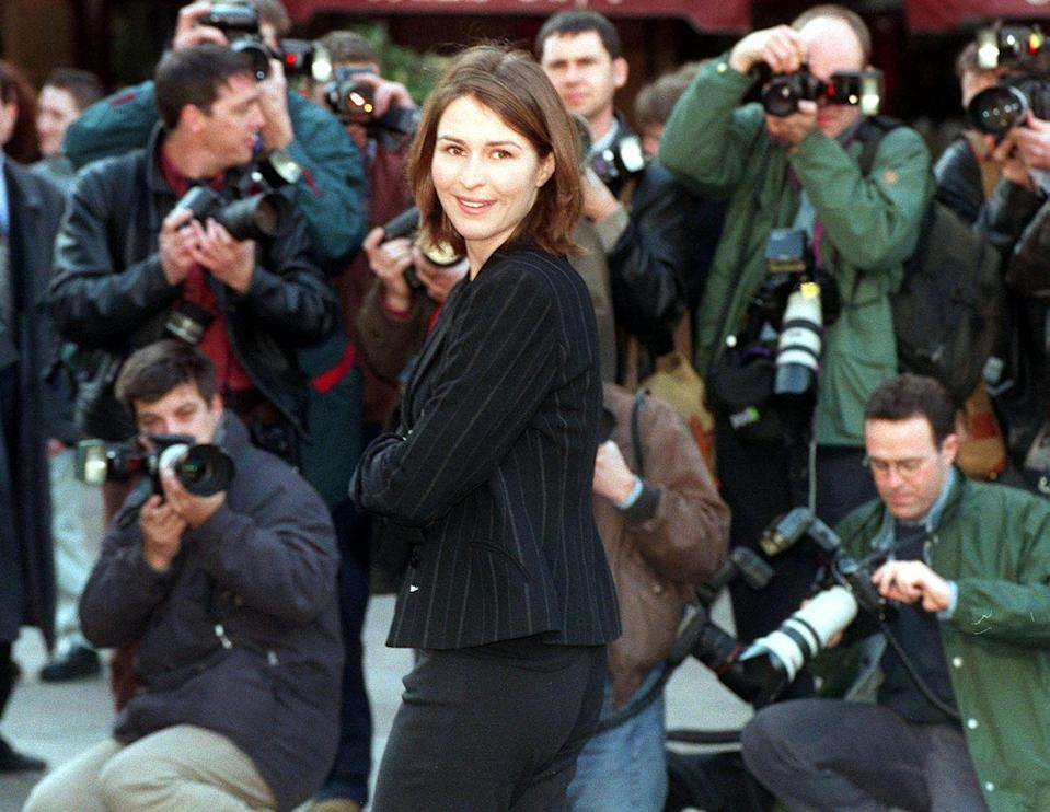<p>Although Helen was a huge television star in the UK at the time, the actress was relatively unknown in America before she played the part of Emily, Ross's whirlwind romance...turned bad. </p>
