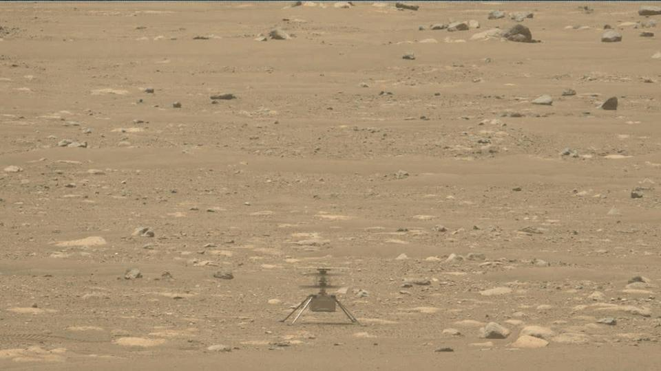 Ingenuity helicopter mars first flight Taking Off and Landing