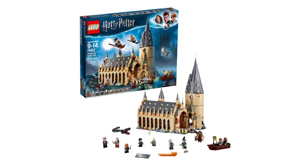 'Harry Potter' fans will love the discount on this top-rated Hogwarts castle set.