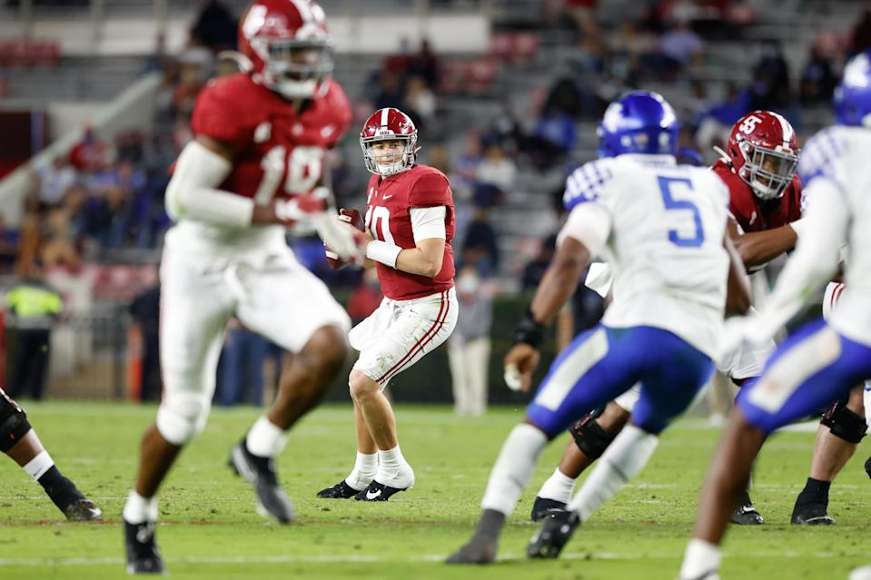 TUSCALOOSA, AL - NOVEMBER 21: Mac Jones #10 of the Alabama Crimson Tide looks upfield for a receiver against the Kentucky Wildcats at Bryant-Denny Stadium on November 21, 2020 in Tuscaloosa, Alabama. (Photo by UA Athletics/Collegiate Images/Getty Images)