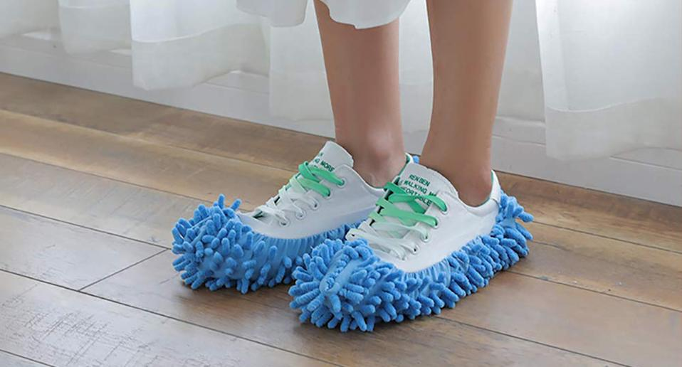 These £3 mop slippers will making cleaning 100% more fun. [Photo: Amazon]