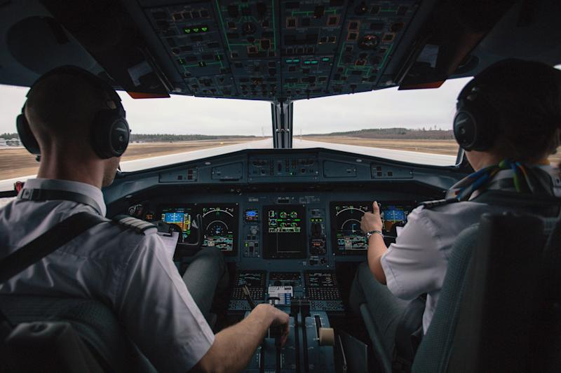 11 Airline Pilot Secrets That Will Actually Make You LESS Afraid to Fly