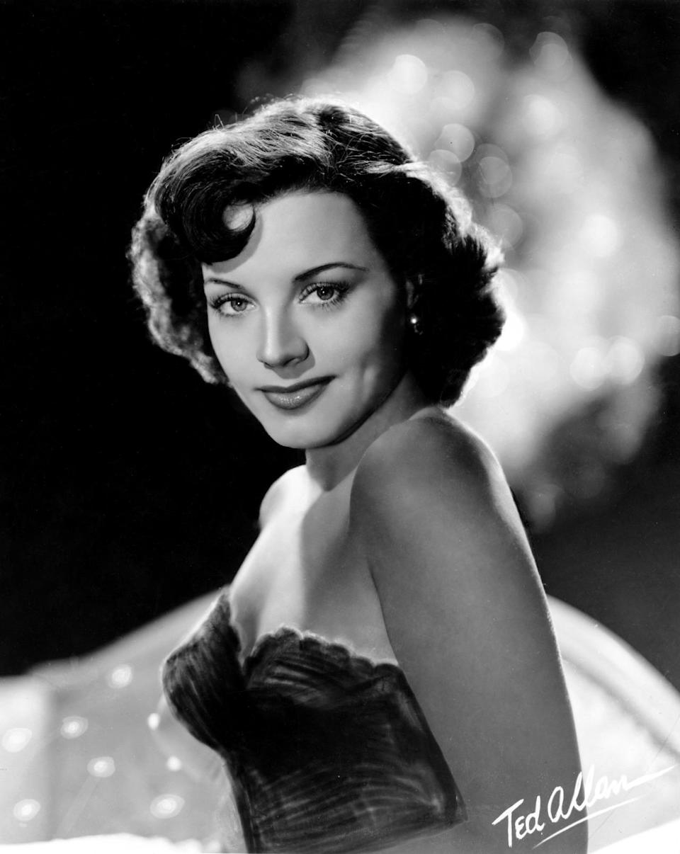 """Kay Starr was an American pop and jazz singer famous for #1 hits in the 1950s, """"Wheel of Fortune"""" and """"The Rock And Roll Waltz."""" She died on Nov. 3 from complications of Alzheimer's disease at the age of 94. (Photo: Michael Ochs Archives/Getty Images)"""