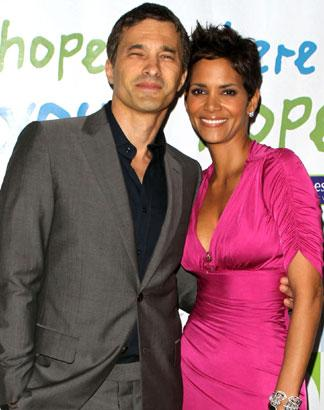 Halle Berry To Wed Olivier Martinez In Africa?