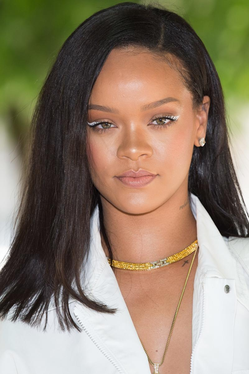 Rihanna Covers British Vogue With Super Thin Eyebrows