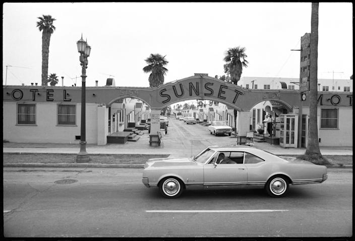 """Sunset Blvd, 1966, Ed Ruscha. Part of the """"Streets of Los Angeles"""" archive. <span class=""""copyright"""">(Ed Ruscha / J. Paul Getty Trust)</span>"""