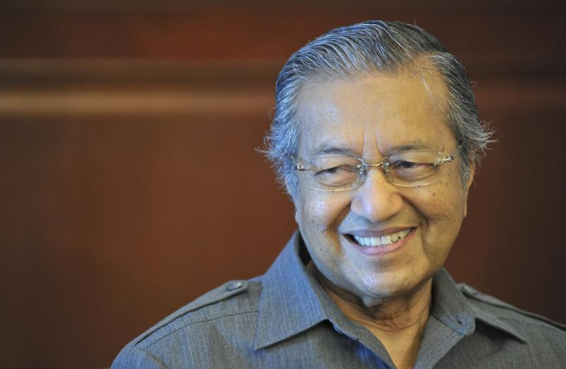 Malaysia's Prime Minister Tun Dr Mahathir Mohamad clarified that the Singapore-Kuala Lumpur High Speed Rail (HSR) was not really scrapped...